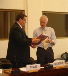 The Chair of the Bureau, Aleksandar Vesic, expressing thanks to Wiek Schrage, retiring secretary to Convention.