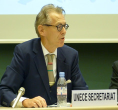 [photo of Geoffery Hamilton]